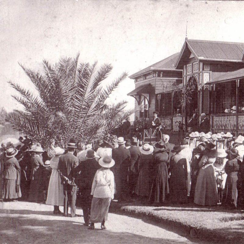 1918-school-opens